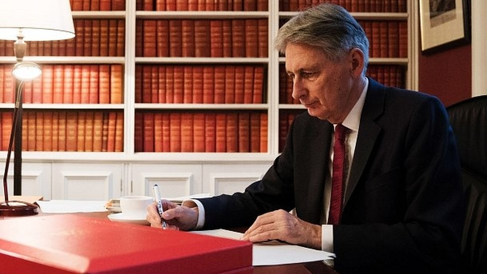 Budget 2017: Hammond to 'seize opportunities' from Brexit