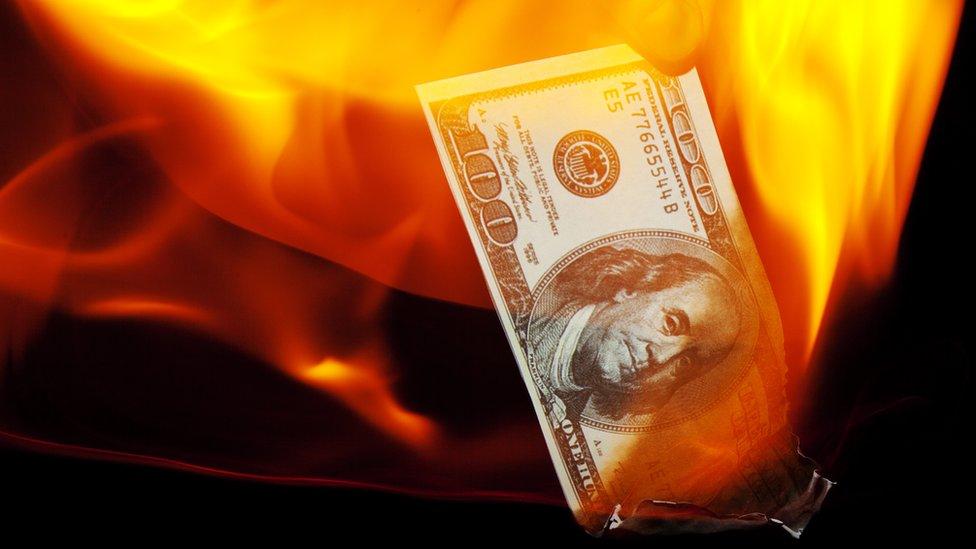 El calentamiento de la economía esconde graves riesgos.