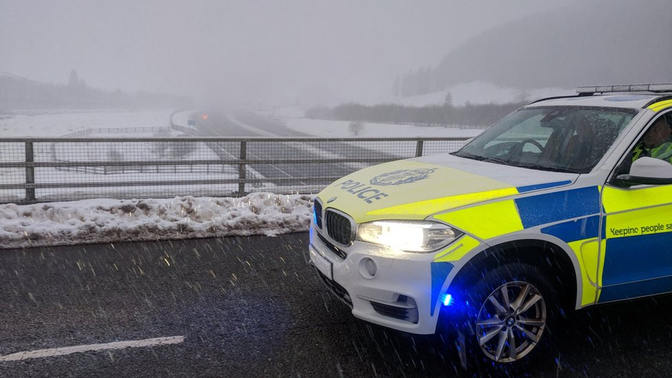 Avoid rush hour' weather advice from Police Scotla