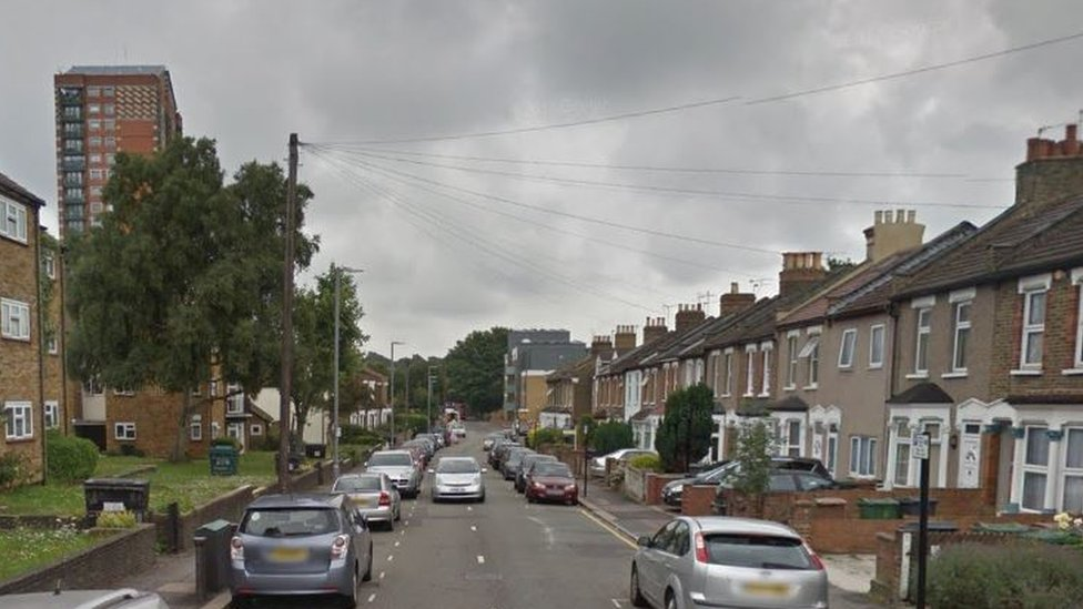 Walthamstow shooting: Teenager's death sparks murder probe