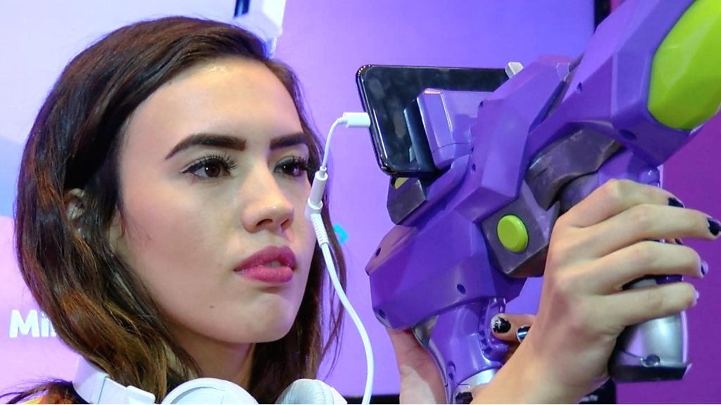 CES 2018: Merge Blaster mixes real world with game