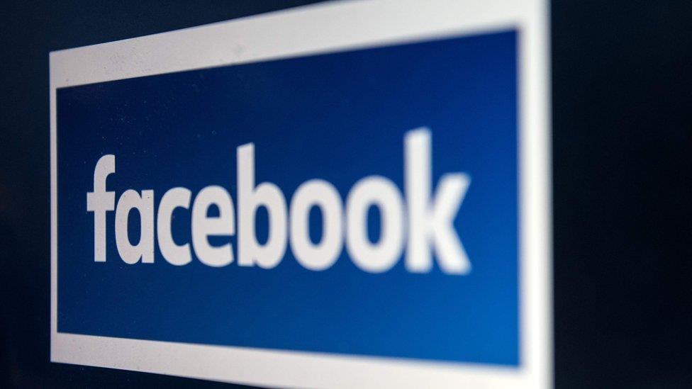 Facebook: PSNI get temporary ban