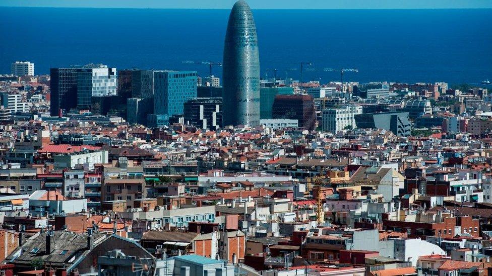 Cataluña es la comunidad más endeudada de España.