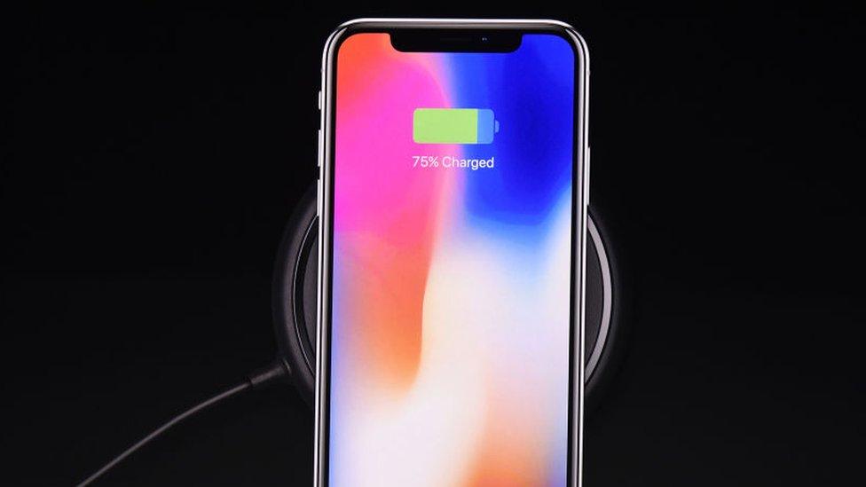 Samsung lleva años apostando por el sistema de carga inalámbrica que ofrece el nuevo iPhone X.