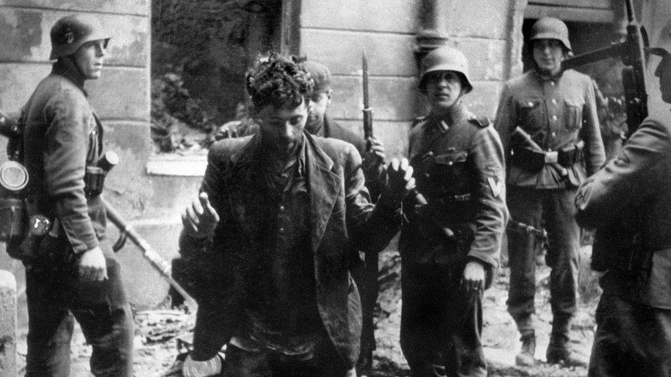 Gueto de Varsovia, 20 de abril de 1943