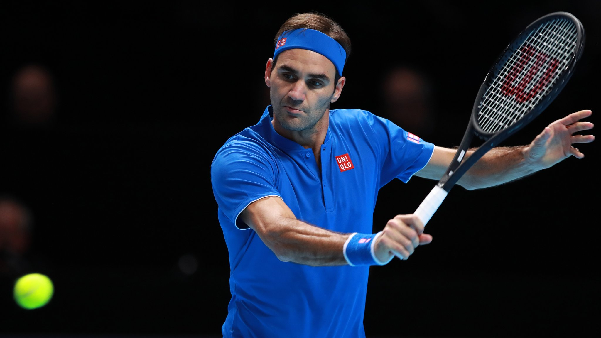 What does Federer need to do to reach London semi-finals?