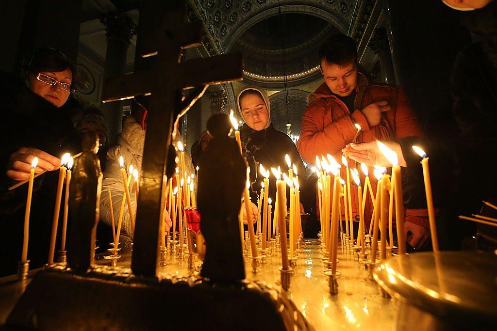 Christmas: Why some people celebrate on 7 January - CBBC Newsround