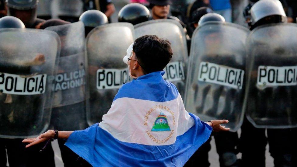 """Crisis en Nicaragua, a un año del inicio de las protestas: """"Ortega solo va a ceder cuando la presión nacional e internacional lo pongan en una situación extrema"""" - BBC News Mundo"""