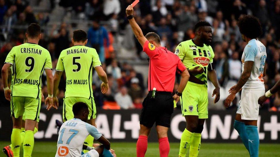Ligue 1: Angers accroche l'OM au Vélodrome, 2-2