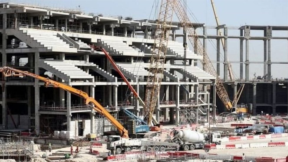 قطر د فوټبال نړیوال جام سیالیو پر چمتووالي هره اونۍ ۵۰۰ میلیونه ډالر لګوي