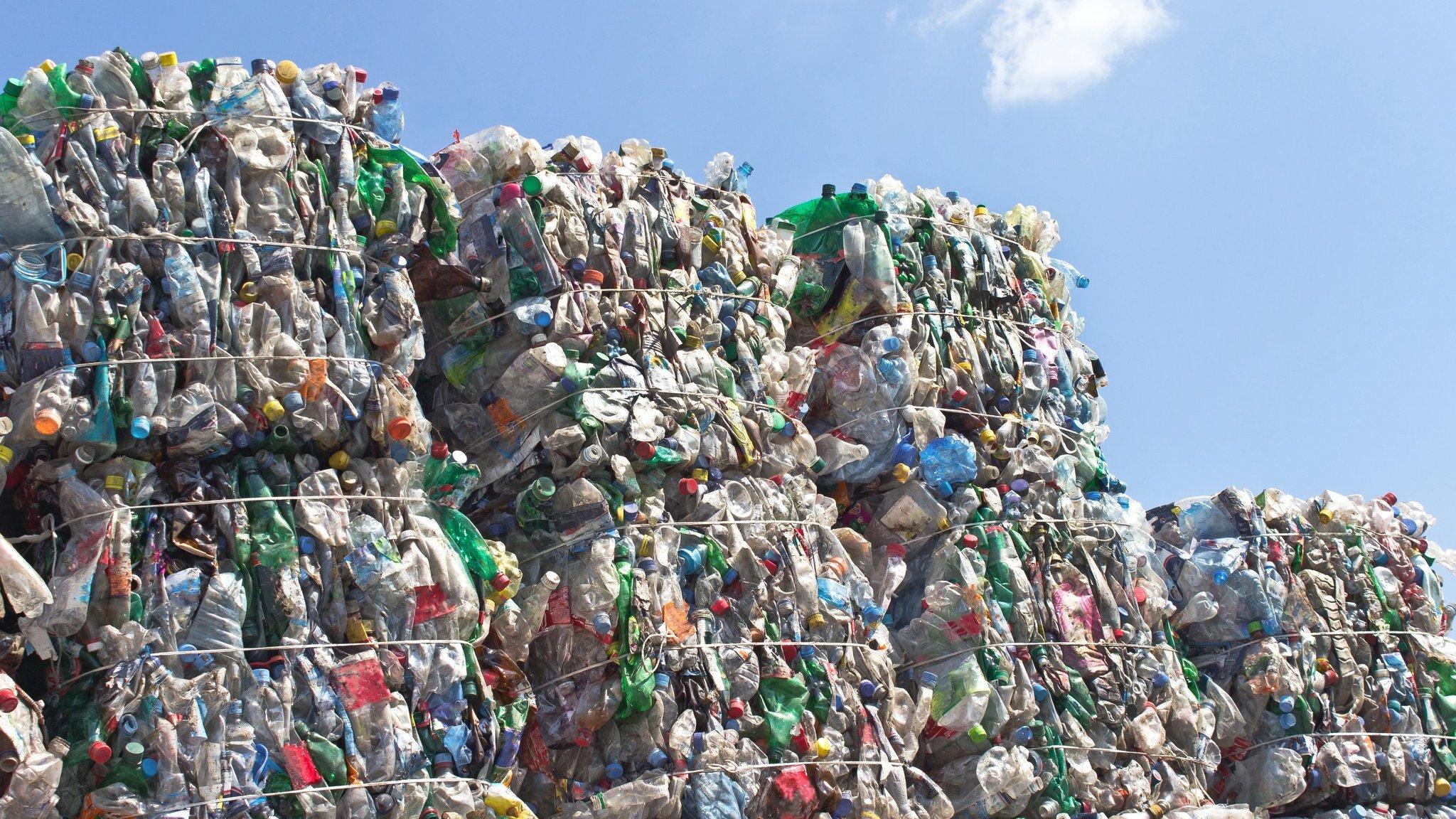 99329974 plastic.bottle.mountain.g
