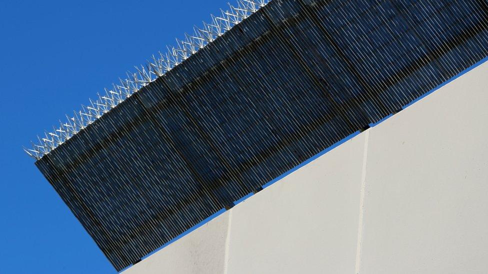 Uno de los prototipos de muro que Trump quiere construir en la frontera con México
