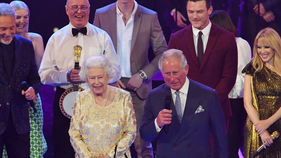 Shaggy and Kylie help the Queen celebrate 92nd birthday