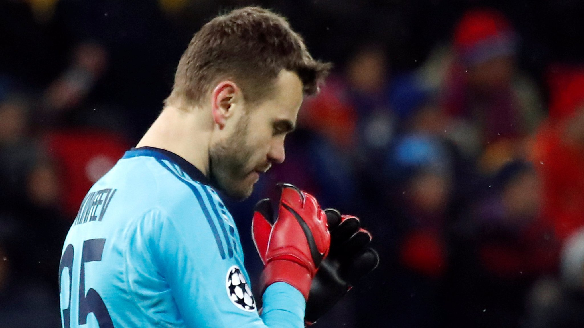 Eleven years & 43 games... Akinfeev finally keeps Champions League clean sheet