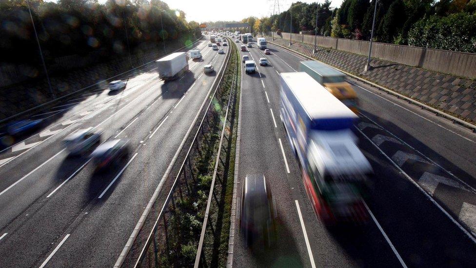 Motor insurance cost 'widens between sexes'