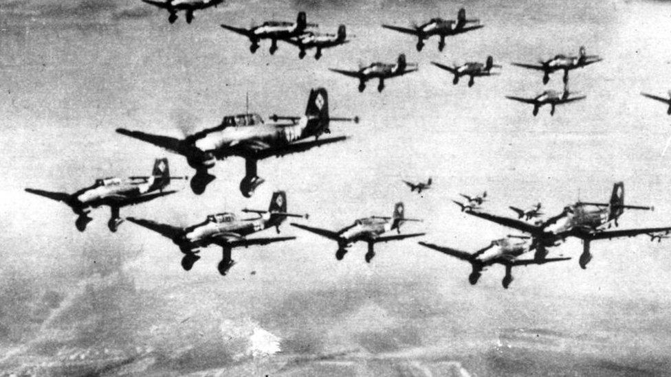 Bombarderos alemane en pleno vuelo