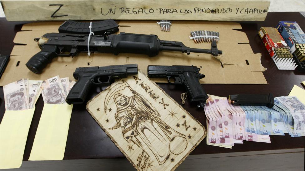 Elementos incautados a presuntos narcotraficantes (AFP)