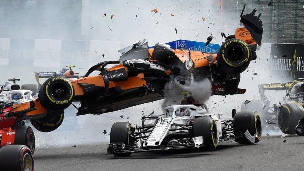 Qué Es El Halo El Criticado Dispositivo De Fórmula 1 Que Protegió Al Piloto Charles Leclerc En Su Grave Accidente Bbc News Mundo