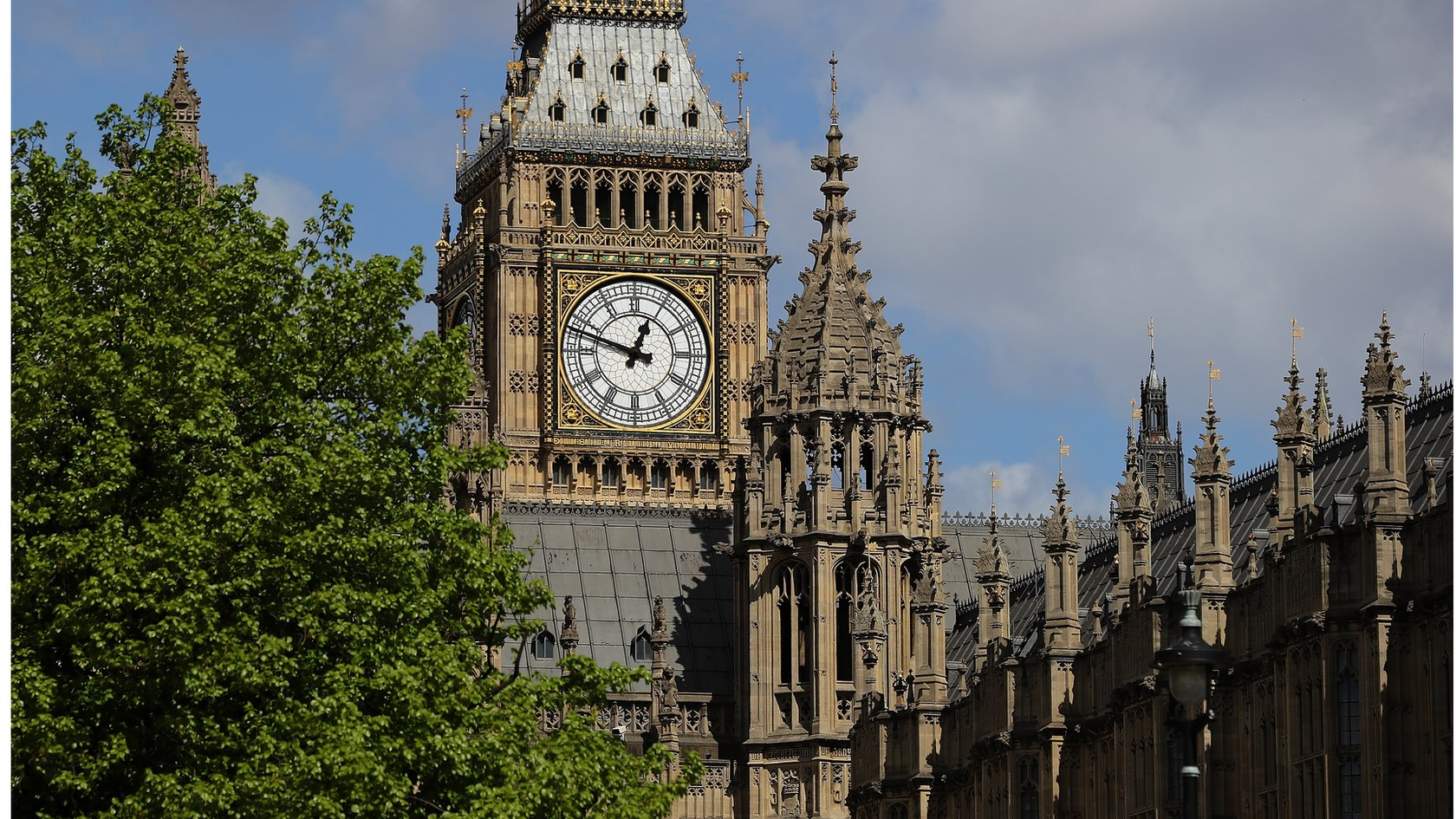 ब्रिटेन की संसद पर साइबर हमला, ईमेल हैक करने की कोशिश