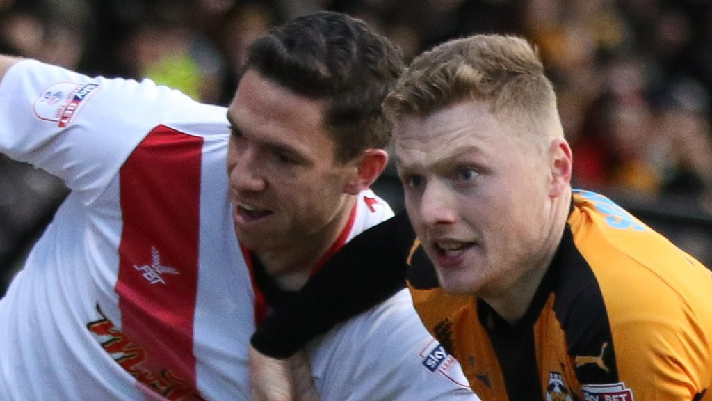 Cambridge United v Newport County