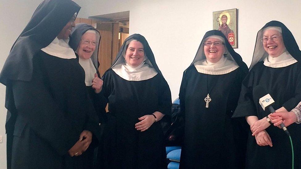 Grupo de monjas