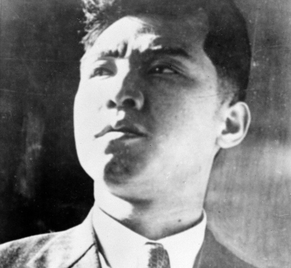 Esta es la imagen Kim Il sung cuando era joven.