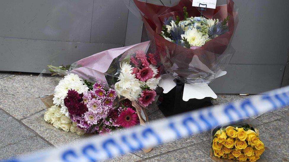 Flores en el Puente de Londres.