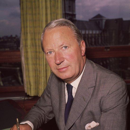 Hosking trabajó junto al primer ministro británico Edward Heath.