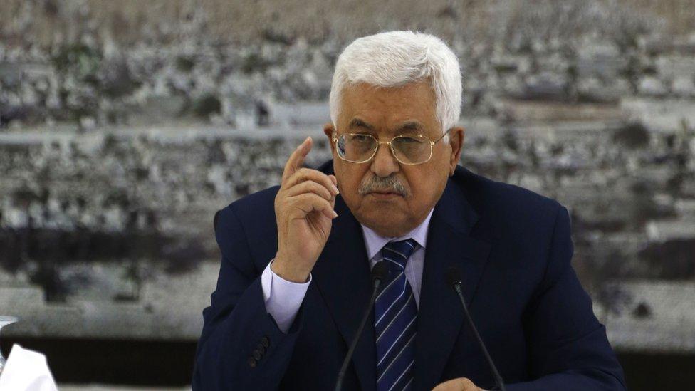 عباس: استمرار تجميد الاتصالات مع إسرائيل بسبب الوضع في القدس