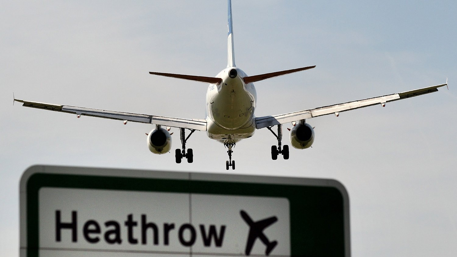 The Airports Commission backs a third Heathrow runway, saying it will add £147bn in economic growth and 70,000 jobs by 2050.