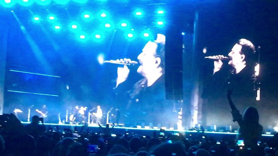 Bono surprise Snow Patrol performance elevates