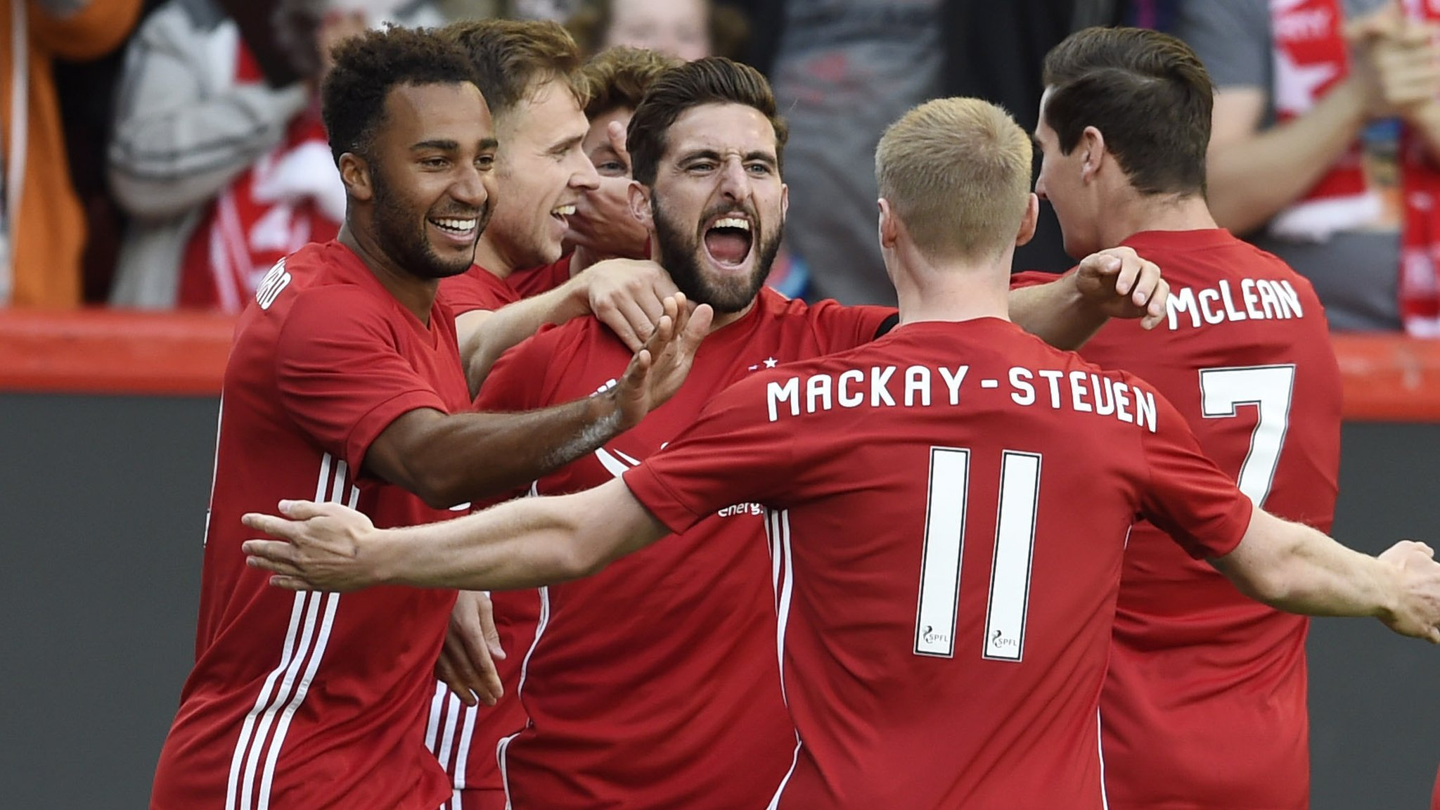 Aberdeen earn narrow Europa League advantage