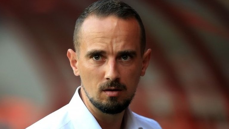 Mark Sampson: FA was warned about employing England womens manager