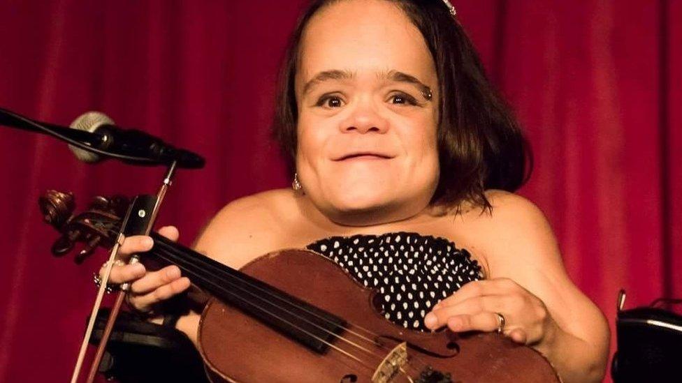 Music matters: Choosing the violin over walking