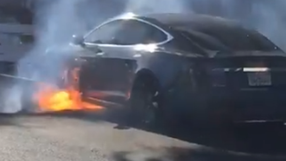 Tesla on fire: UK director Michael Morris' car bursts into flames | BBC