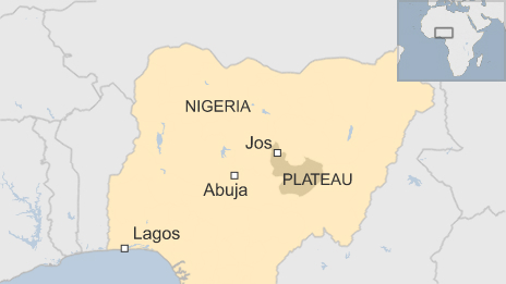 Two bomb attacks - on a restaurant and a mosque - in the central Nigerian city of Jos have left at least 44 people dead, the authorities say.