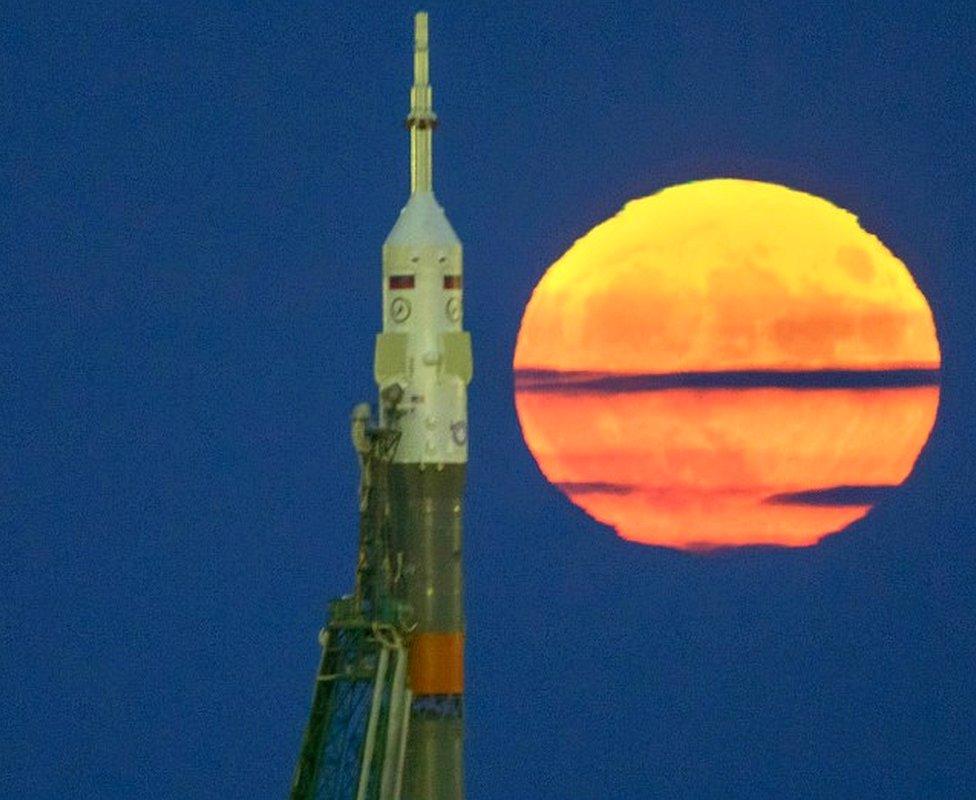 صاروخ سيوز والقمر العملاق