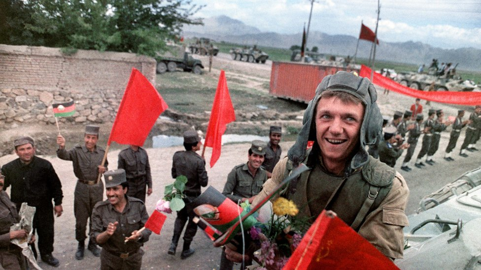 Soviet troops in Kabul in 1988