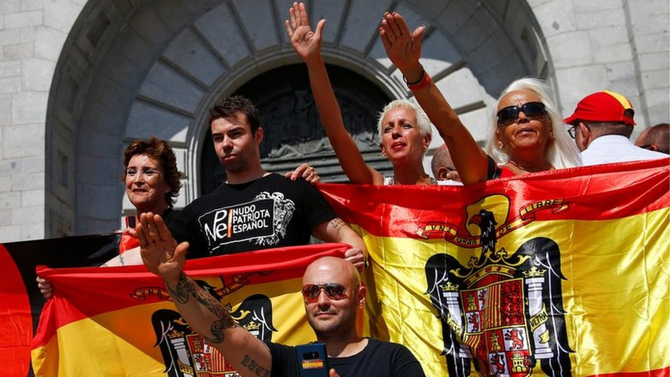 Spain far right protest against moving Franco's remains | BBC
