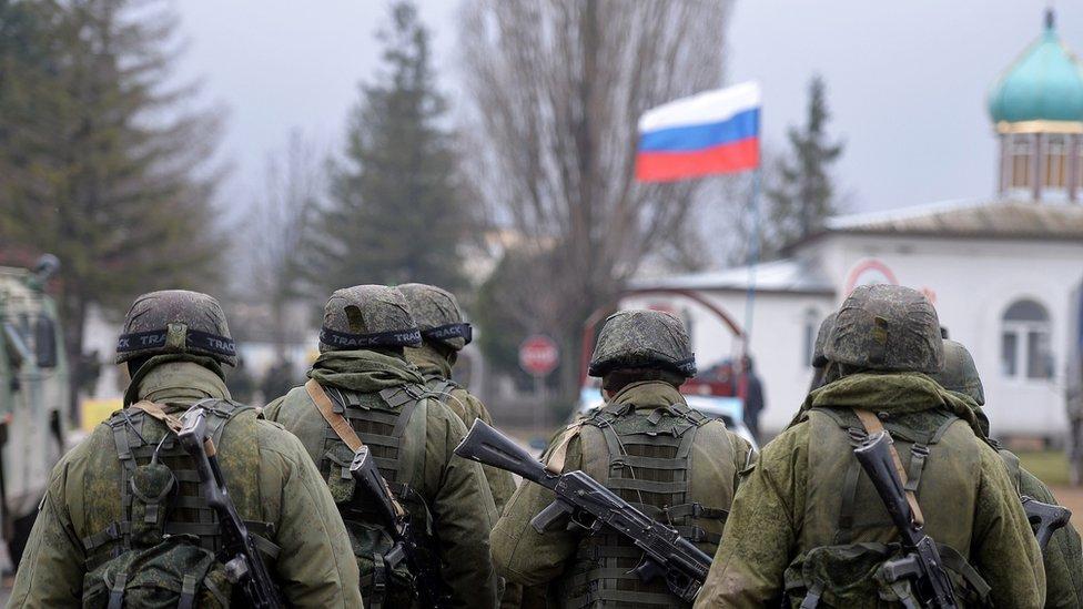 صورة لدورية عسكرية روسيا في القرم عام 2014