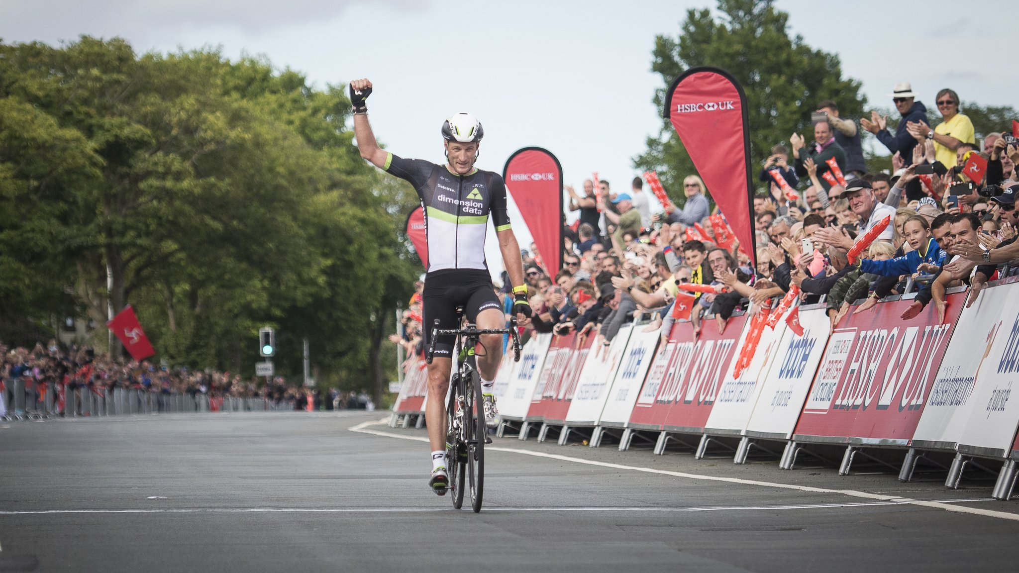 Cummings completes national road race & time trial double