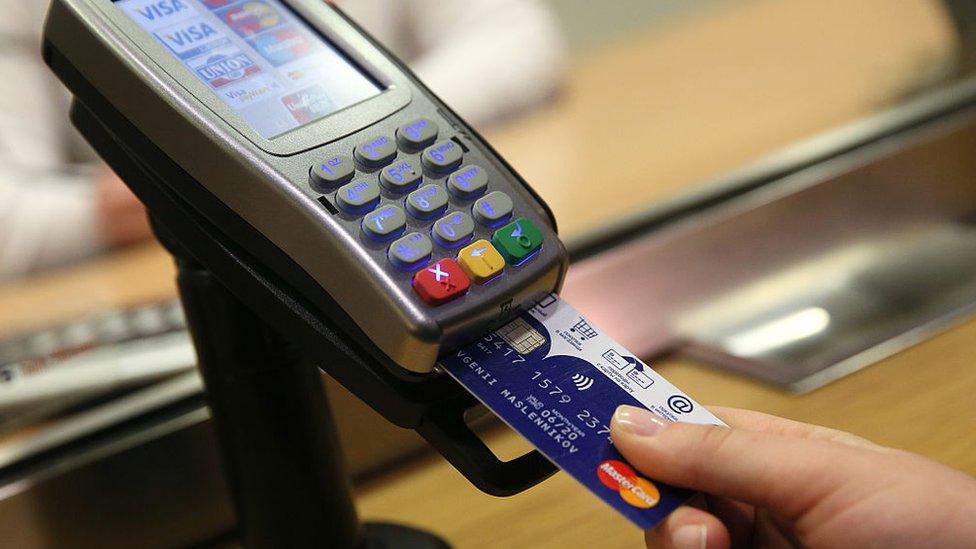 La situación se torna peligrosa cuando el sector financiero tiene pocas regulaciones.