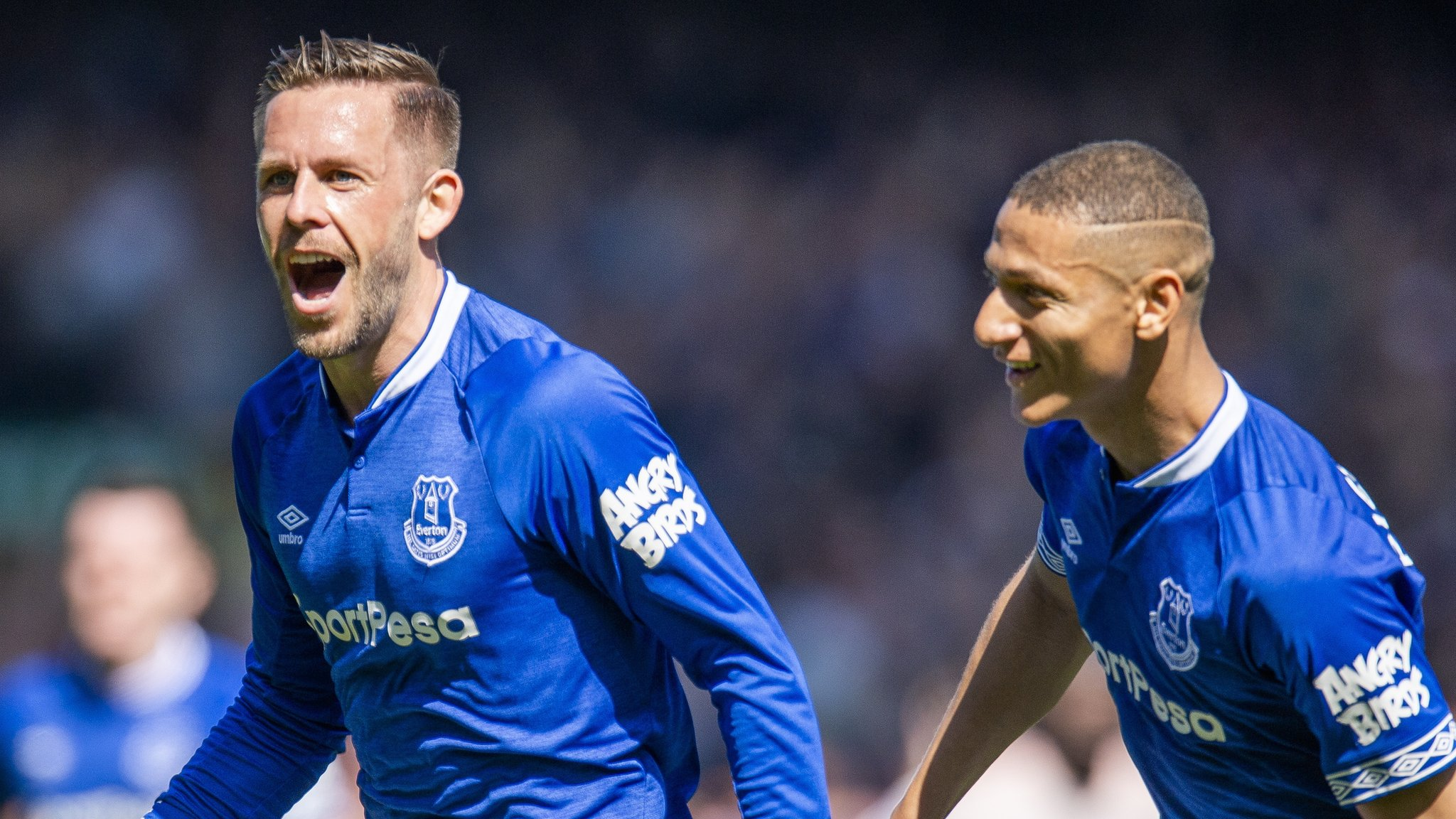 Everton 4-0 Manchester United: Toffees cruise to victory