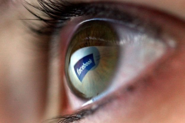Una vez más Facebook está en el centro de las acusaciones de uso indebido de datos y manipulación psicológica.