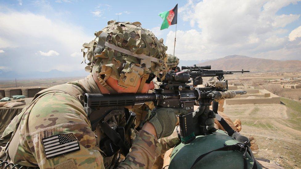 له افغانستان د امریکايي پوځ د وتلو پلان ارزول او د دفاع وزیر استعفا