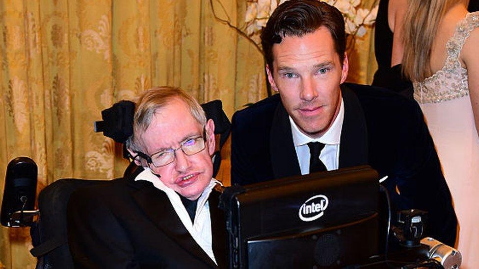 Hawking y Benedict Cumberbatch.