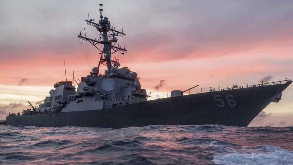 Kapal perang Amerika tabrak tanker di Selat Malaka, 10 marinir hilang