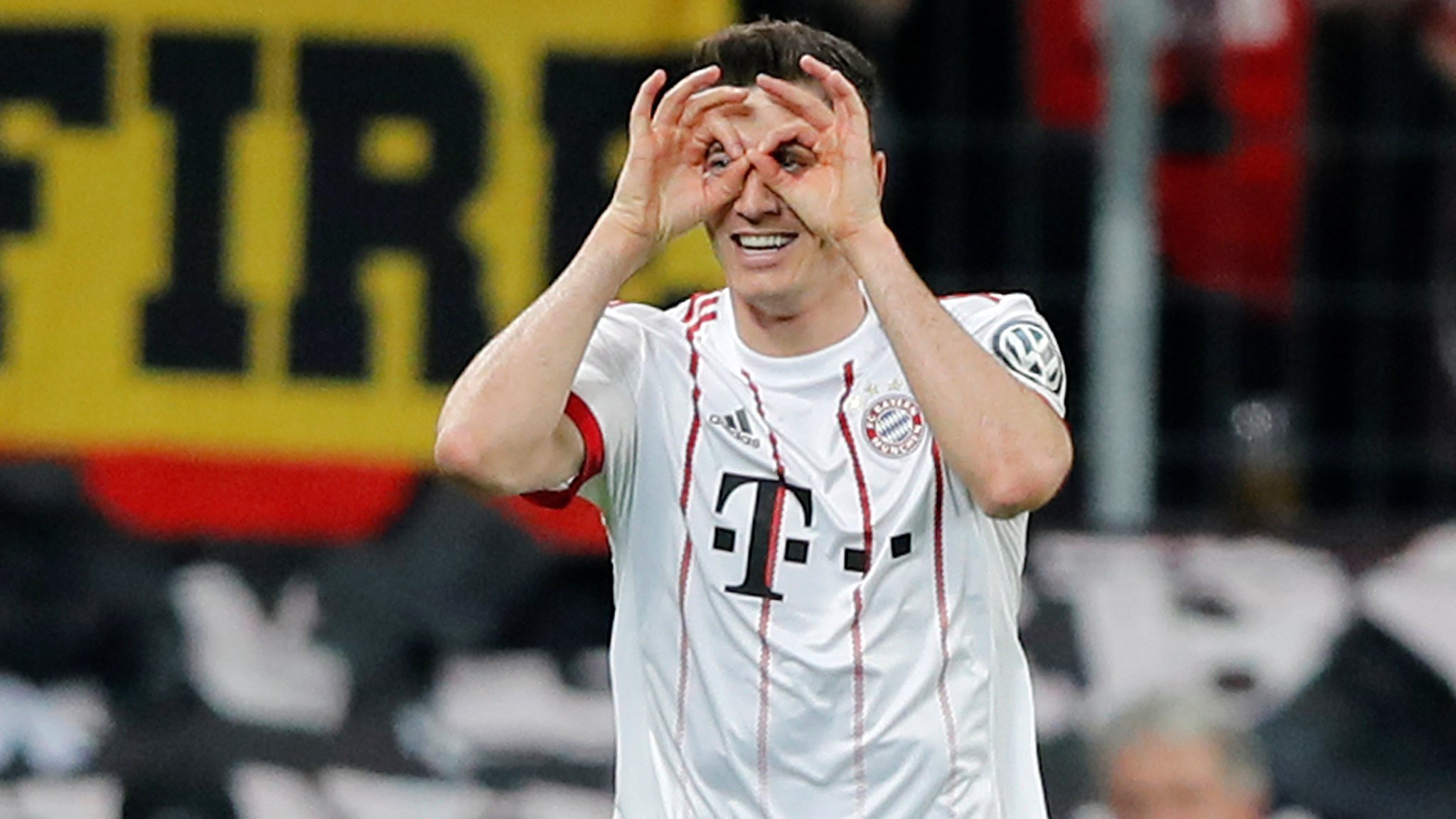 Lewandowski 'showed same reaction to scoring four against Real as to a cake made by his mum'