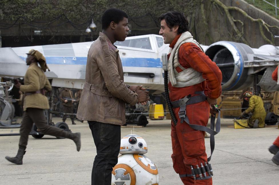 Finn (John Boyega) and Poe (Oscar Isaac) meet