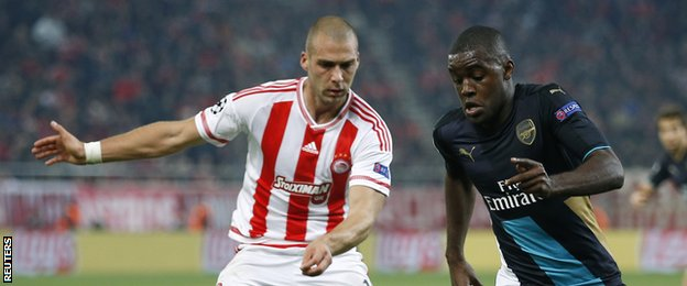 Joel Campbell was applauded by both sets of fans when he was substituted on his return to Olympiakos